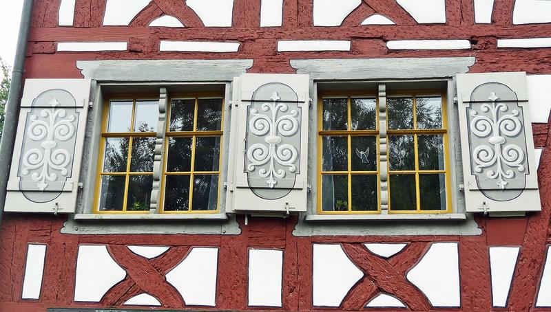 Des fenêtres d'hier et d'aujourd'hui. - Page 27 Fen_r10