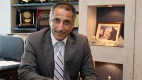حقيقة استقالة طارق عامر محافظ البنك المركزي  2111