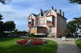 le musée et le jardin de Christian Dior à Granville Images12