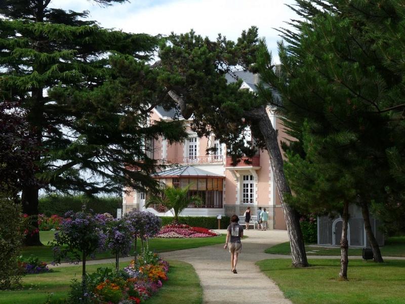 le musée et le jardin de Christian Dior à Granville P1000610
