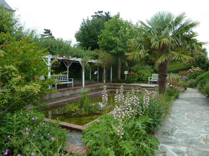le musée et le jardin de Christian Dior à Granville P1030110