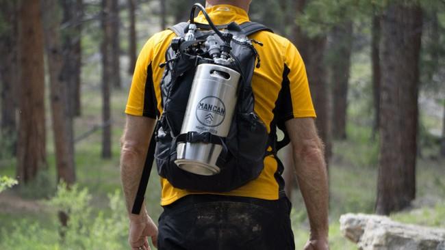 Qui n'a pas rêvé d'avoir sa bière pression dans le sac d'hydratation ? Mancan10