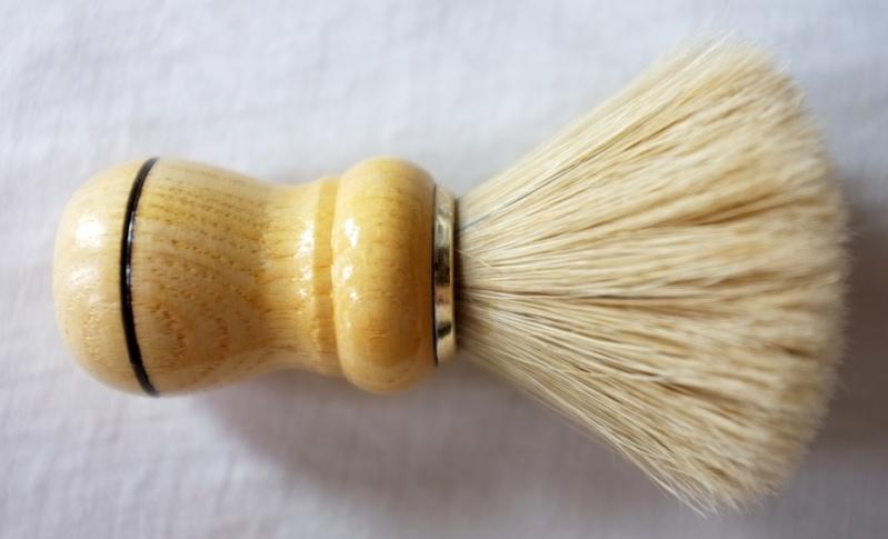 bestshave brush n. 6 (poil de cheval) - Page 3 Dscf0012