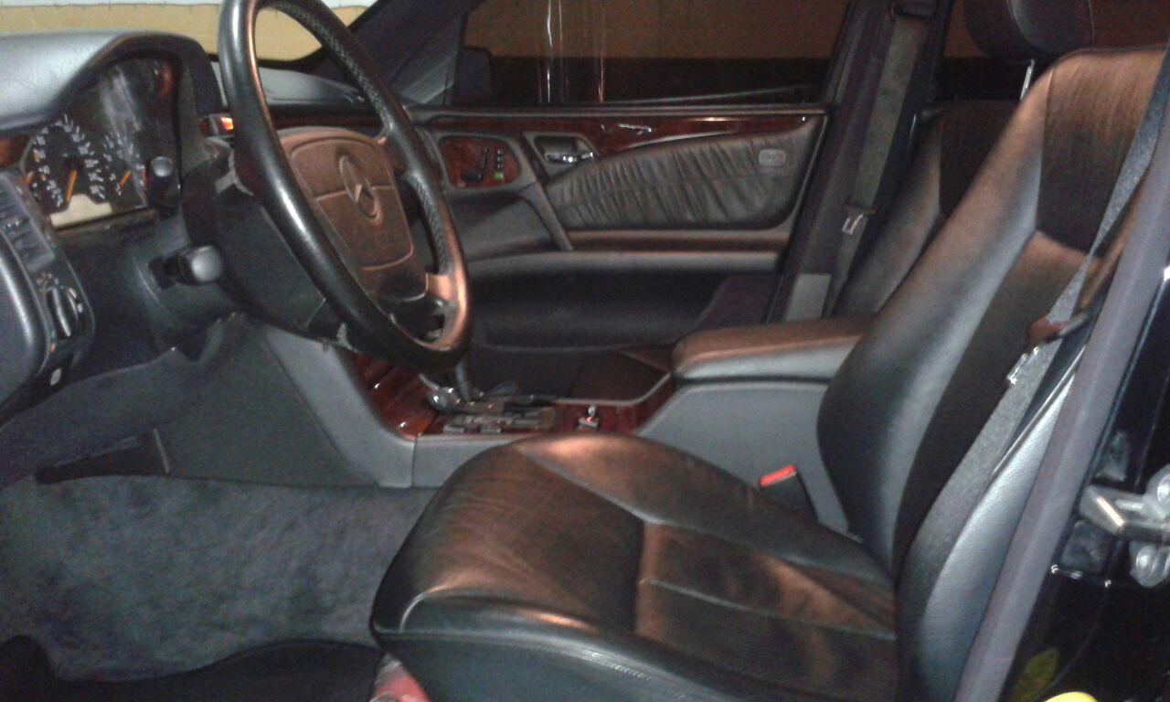 (VENDA CANCELADA): W210 E430 1998 - blindada de fábrica - R$30.000,00 Mb810