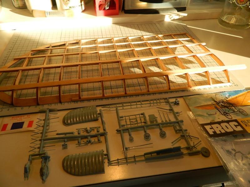 Blériot XI Version Manche - Maquette 1/10 ème AMATI / diffusion Hachette Compar10