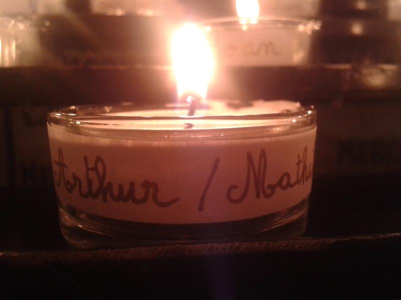 une bougie par anges qui brillera à Lourdes en cette fin d'année - Page 7 Dec20118