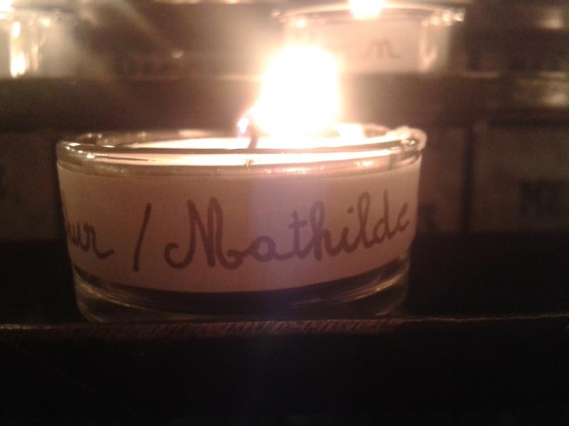 une bougie par anges qui brillera à Lourdes en cette fin d'année - Page 7 Dec20119