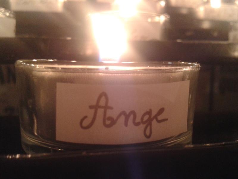 une bougie par anges qui brillera à Lourdes en cette fin d'année - Page 7 Dec20124