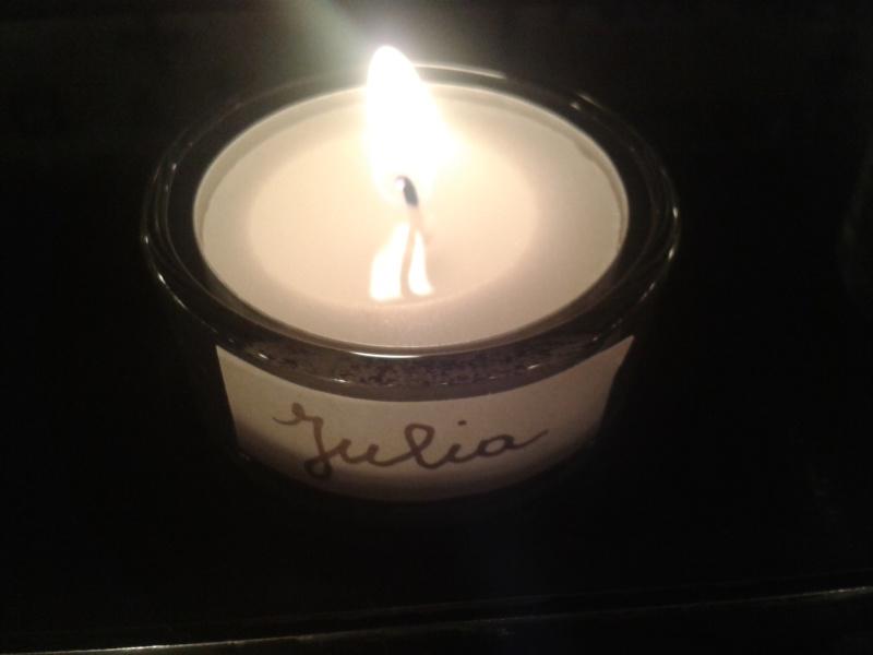 une bougie par anges qui brillera à Lourdes en cette fin d'année - Page 7 Dec20135