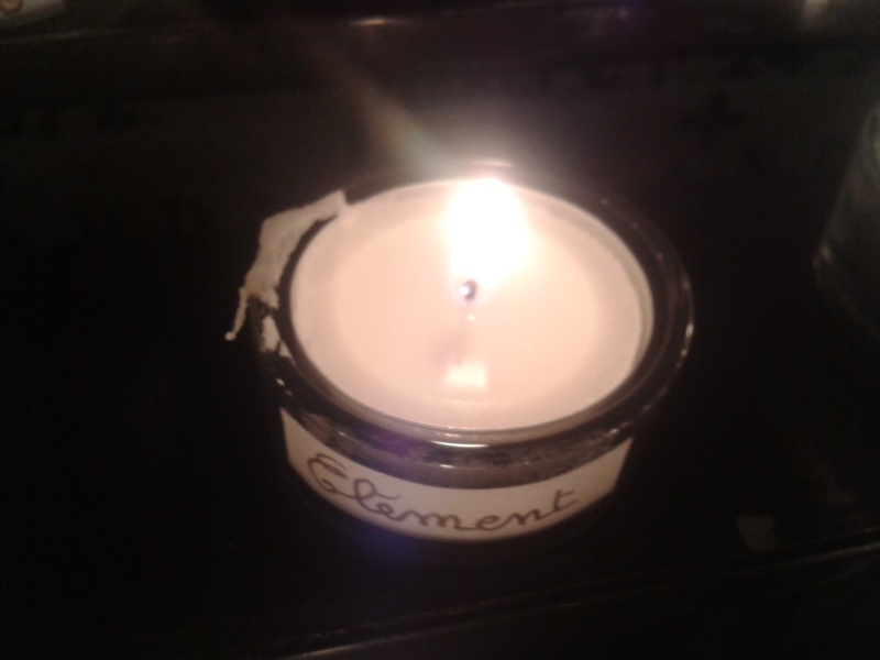 une bougie par anges qui brillera à Lourdes en cette fin d'année - Page 7 Dec20150