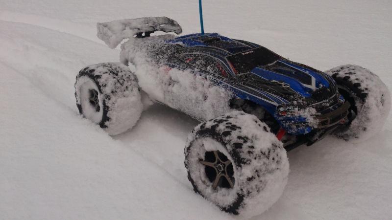 E-Revo VXL TAT998 videos ds la neige Dsc_0015