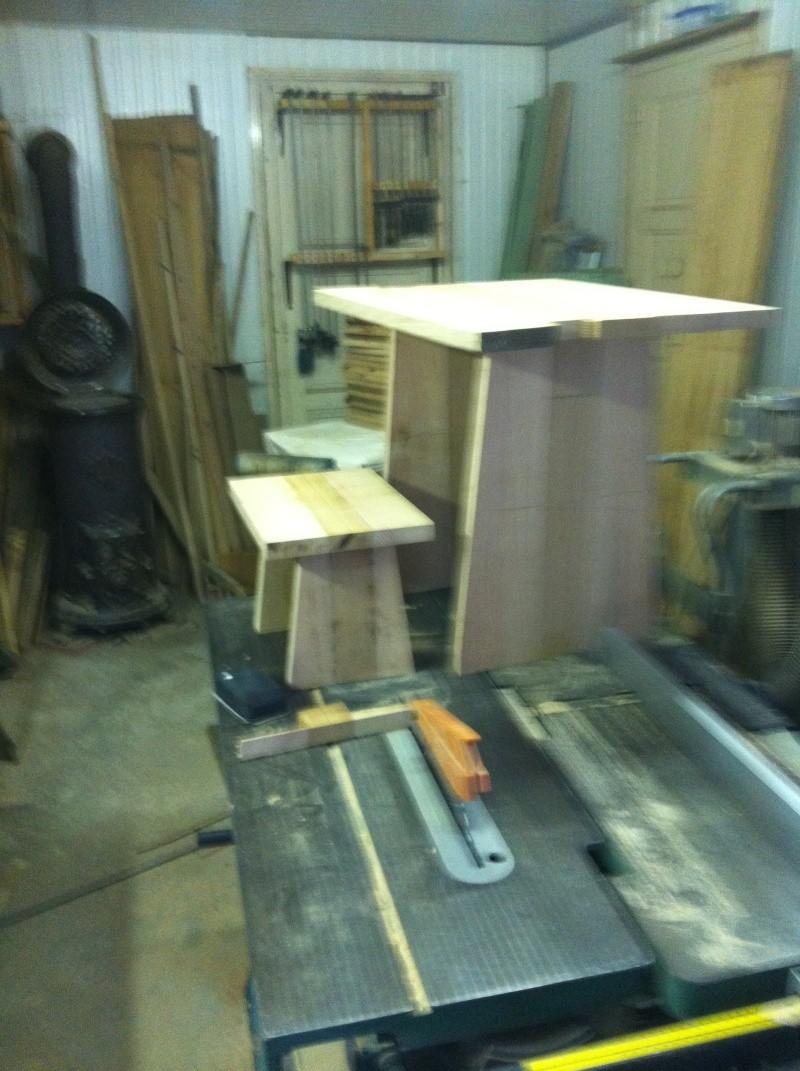 petite table pour petit bout de chou Img_1617