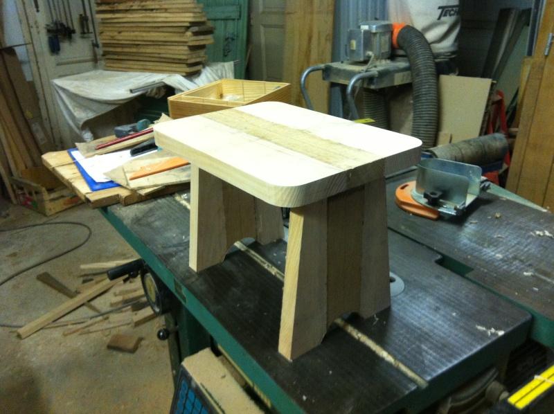 petite table pour petit bout de chou Img_1618