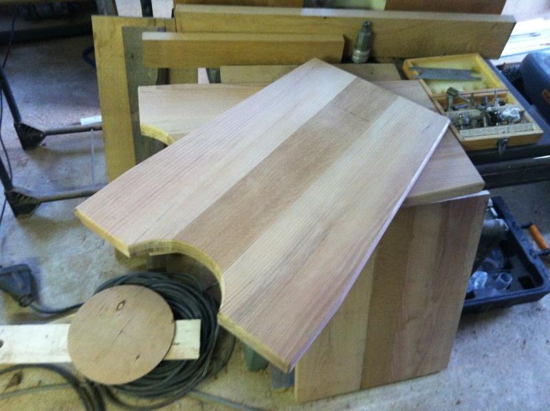 petite table pour petit bout de chou Img_1621