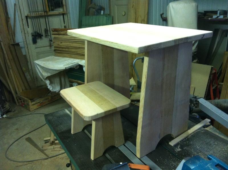 petite table pour petit bout de chou Img_1623