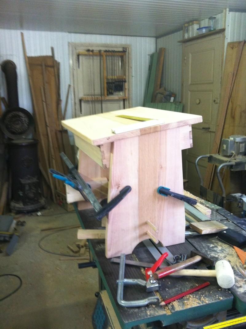 petite table pour petit bout de chou Img_1625
