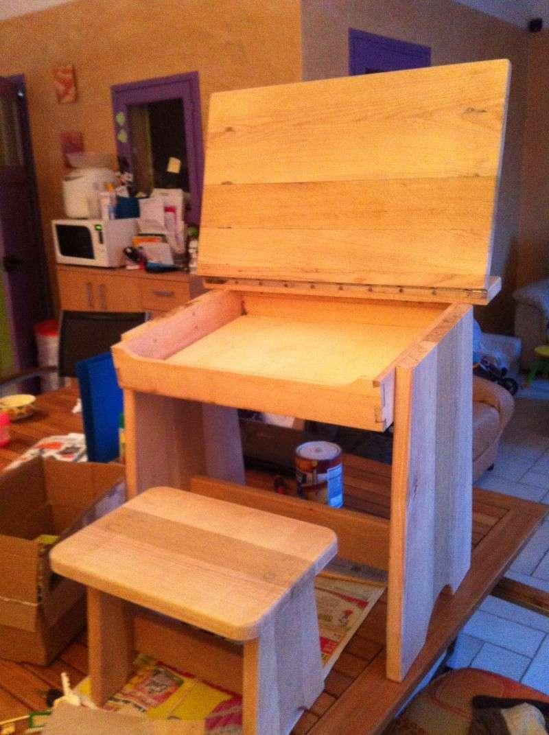 petite table pour petit bout de chou Img_1627