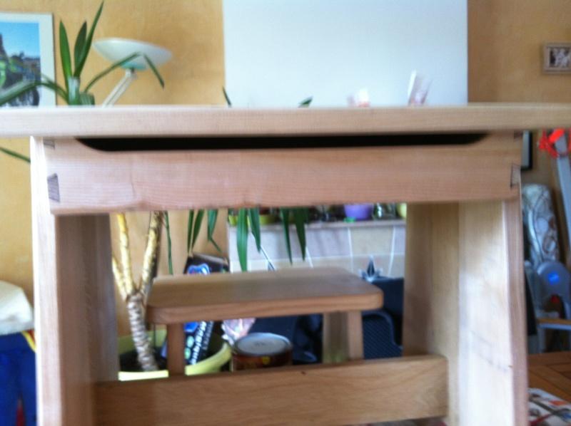 petite table pour petit bout de chou Img_1630