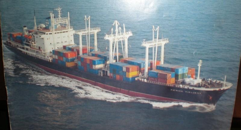 """Le cargo porte-conteneurs """"patrick Vieljeux"""" Patvie10"""