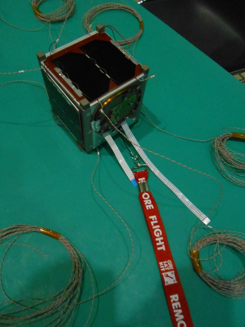 Nanosatellite OUFTI-1  - Programme Flight Your Satellite ( ESA ) Dscn0911