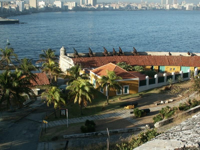 Les envois des photos des membres TSGE sur PANORAMIO - Page 5 Cuba_020