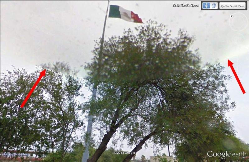 Drapeau (français) mexicain - Frontière USA, Laredo, Texas Image10