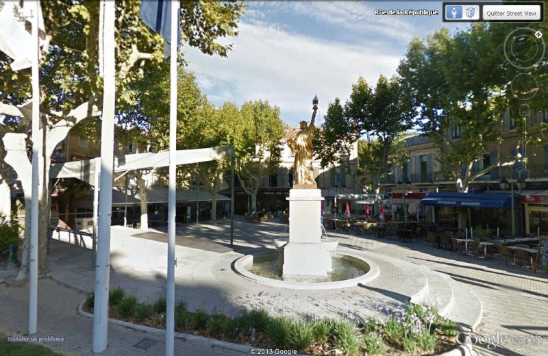 Statue de la Liberté = les répliques découvertes grâce à Google Earth - Page 5 Libert10
