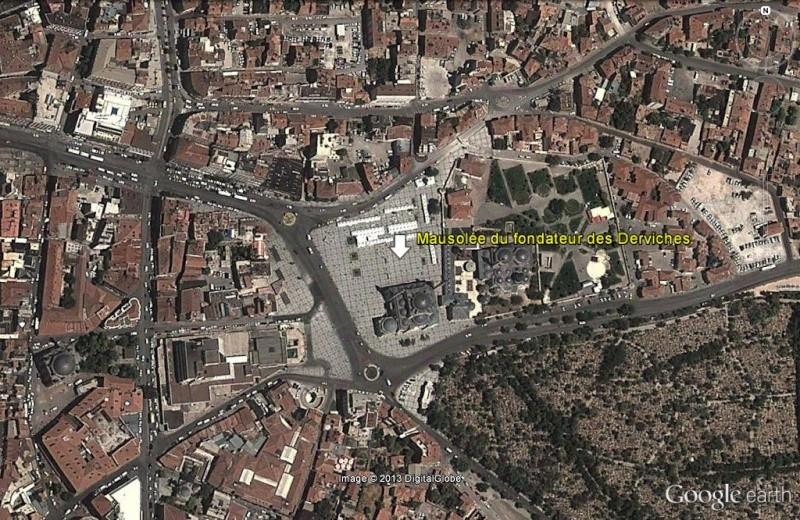 Les derviches tourneurs - Turquie Mausol11