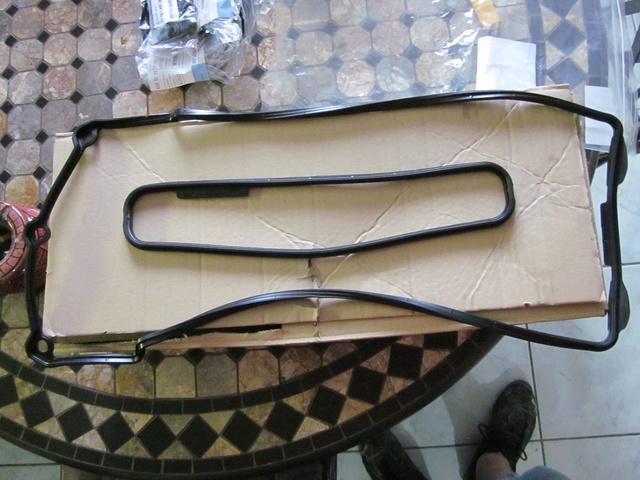 Remplacement des joints et accss de couvre culasse  Img_0218