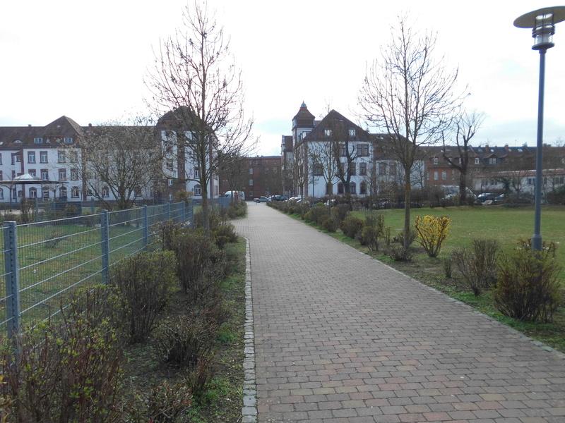 Spurensuche: heute die Eisenbahnregimenter II und III und der Eisenbahn Neben Ersatzpark in Hanau  Dsci4313