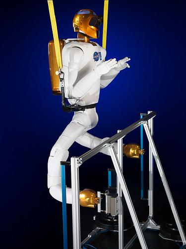 """Le """"Robonaute"""" de la NASA - Page 4 133"""