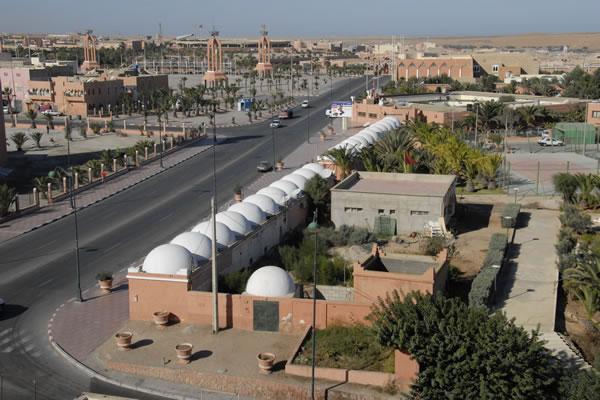 الصحراء المغربية: من رحل و مترحلون الي متحضر و متمدن Laayou11