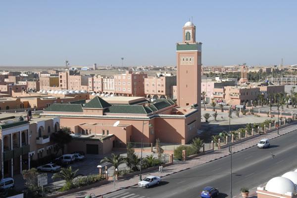 الصحراء المغربية: من رحل و مترحلون الي متحضر و متمدن Laayou12
