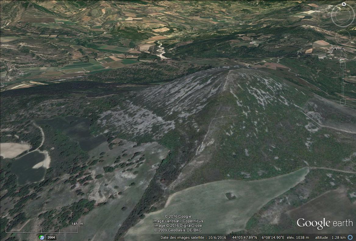 Recherche pyramide en Provence  Pyra_510