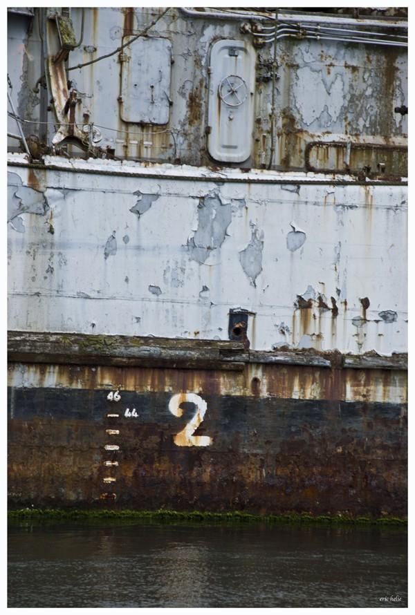 Fin de vie .... Cimetières de bateaux .... Dsc01812