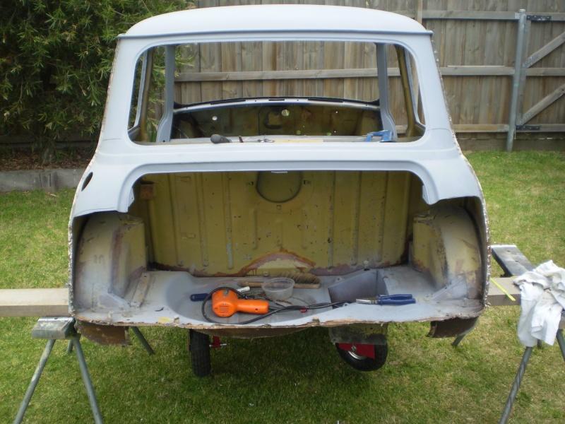 Robs Leyland Mini S - Page 2 House_10