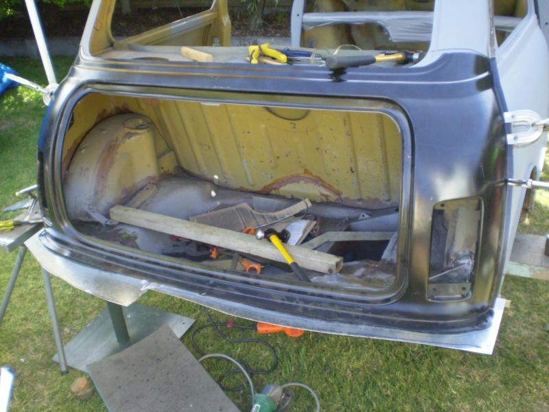 Robs Leyland Mini S - Page 2 House_11