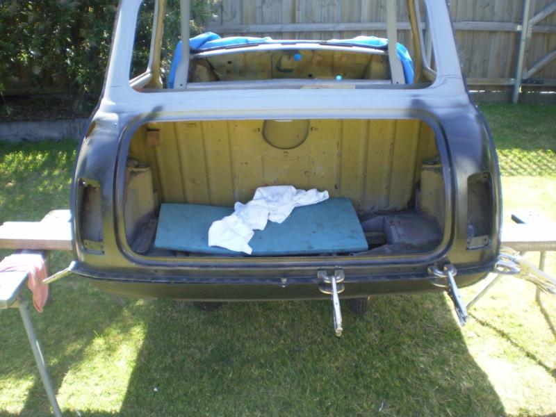 Robs Leyland Mini S - Page 2 House_12