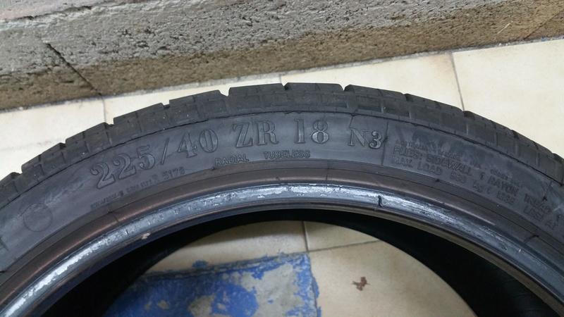 A vendre 2 pneus Pirelli P Zéro 225/40/18  92 Y 20170416