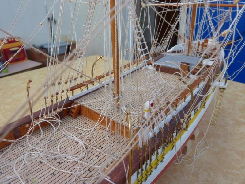 Le Pourquoi-Pas 1908 - Billing Boats - 1/75éme - Page 6 P1100712