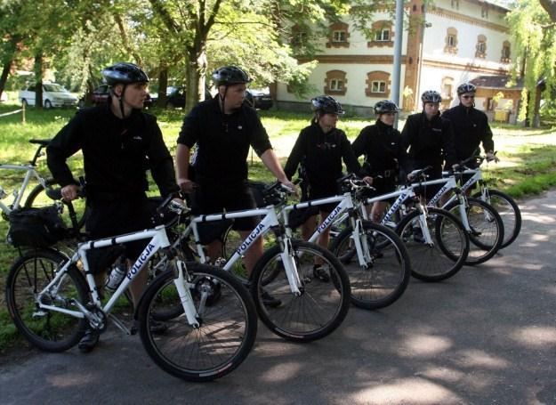 Peugeot Police Nationale de 72 - Page 2 Policj10