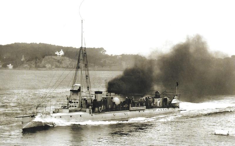 Navires de guerre Français 1914-1918 A217