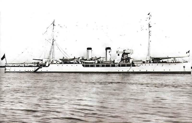 Navires de guerre Français 1914-1918 - Page 2 A222
