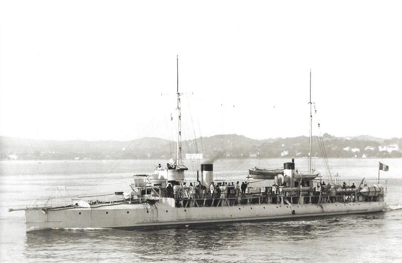 Navires de guerre Français 1914-1918 A413
