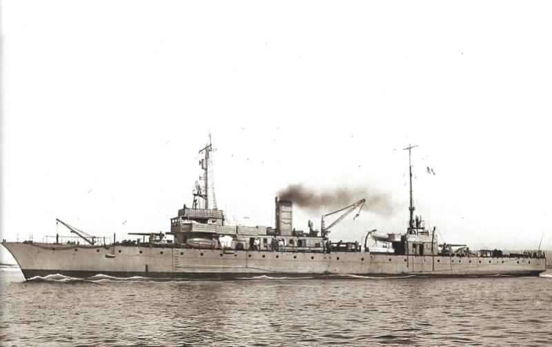 Navires de guerre Français 1914-1918 - Page 2 A419