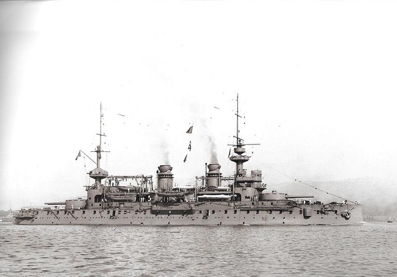 Navires de guerre Français 1914-1918 Gauloi11
