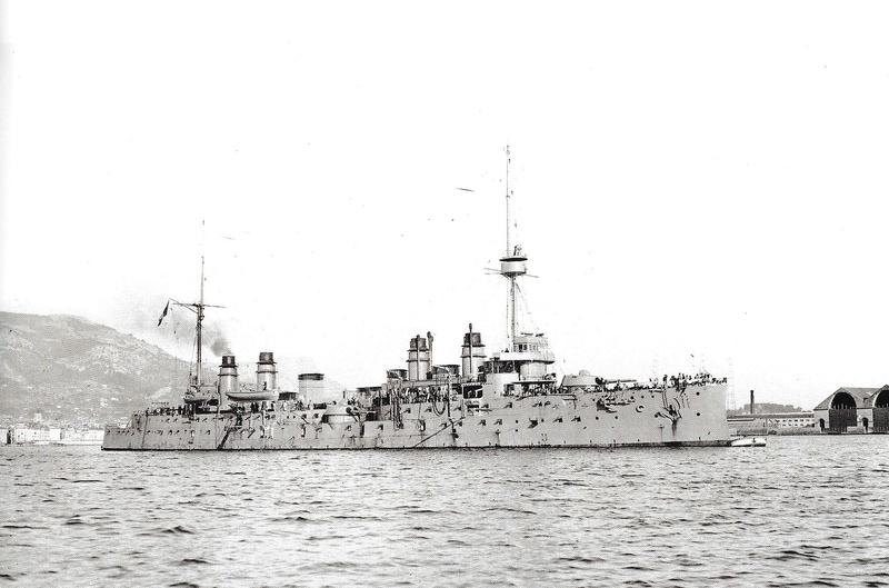Navires de guerre Français 1914-1918 Un210