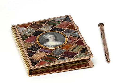 Portraits de Marie-Antoinette sur les boites et tabatières 2008bw10