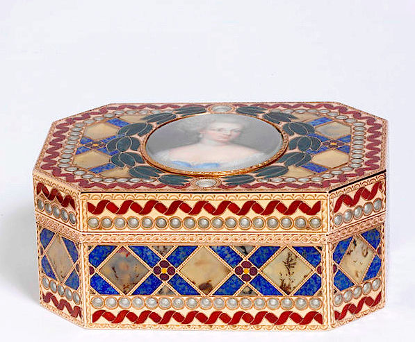 Portraits de Marie-Antoinette sur les boites et tabatières Captur88
