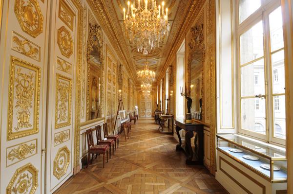 Le Garde Meuble Royal, actuel hôtel de la Marine - Page 3 Faleri10